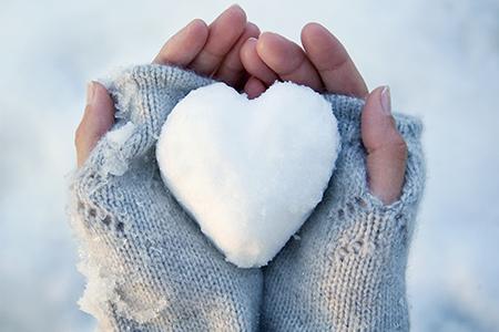 Routine quotidienne : Le soin de vos mains pendant la période hivernale